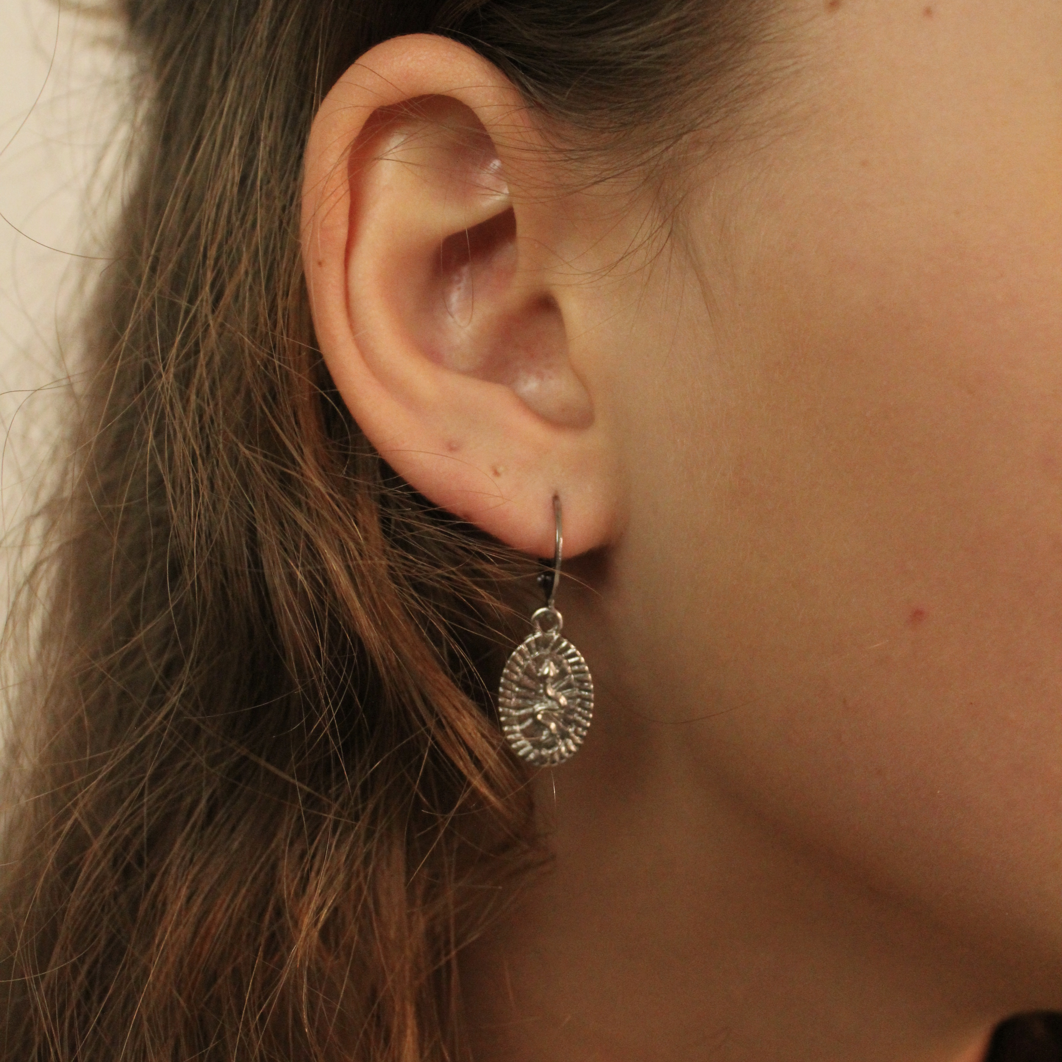 Snake tag hoops silver