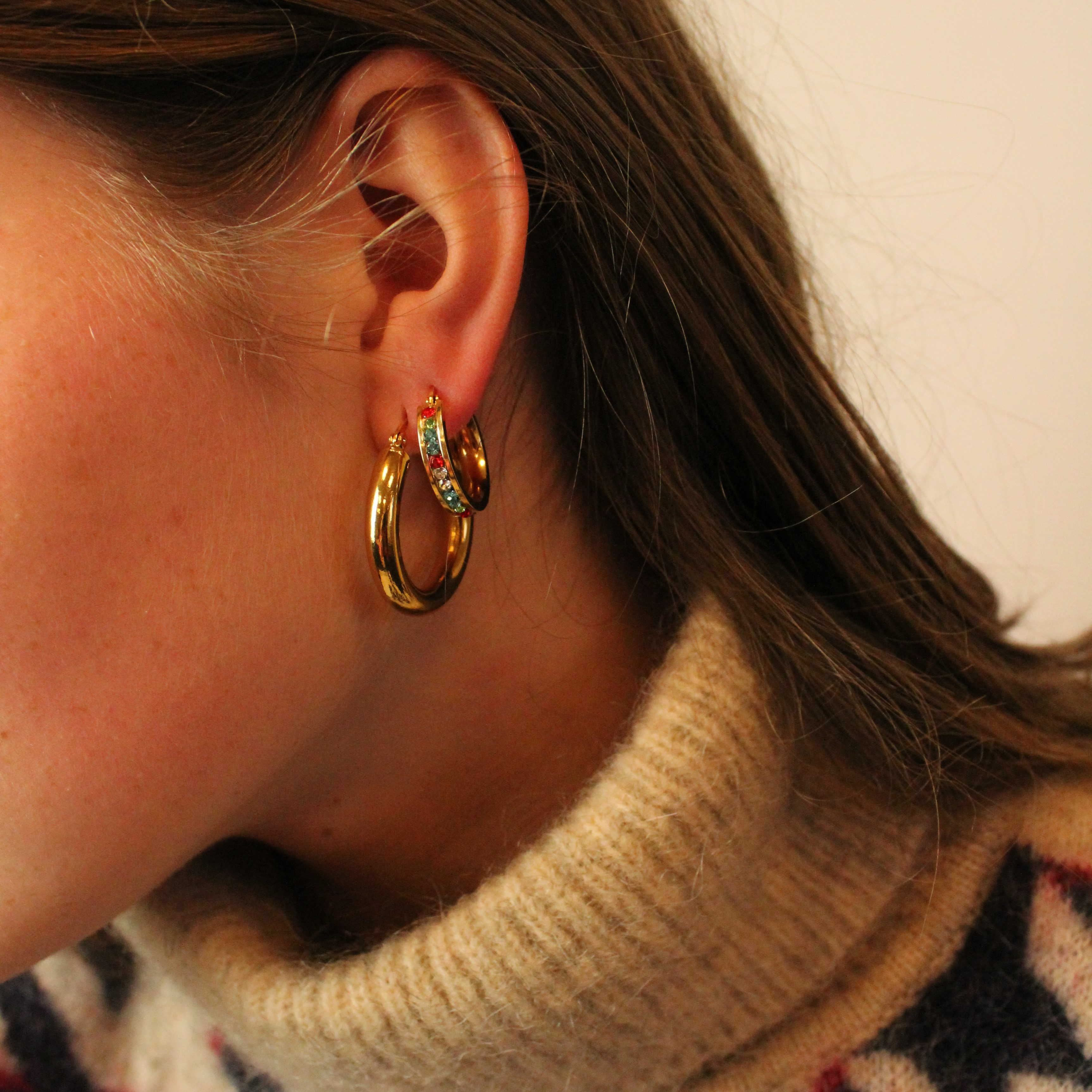 Sparkly earrings gold