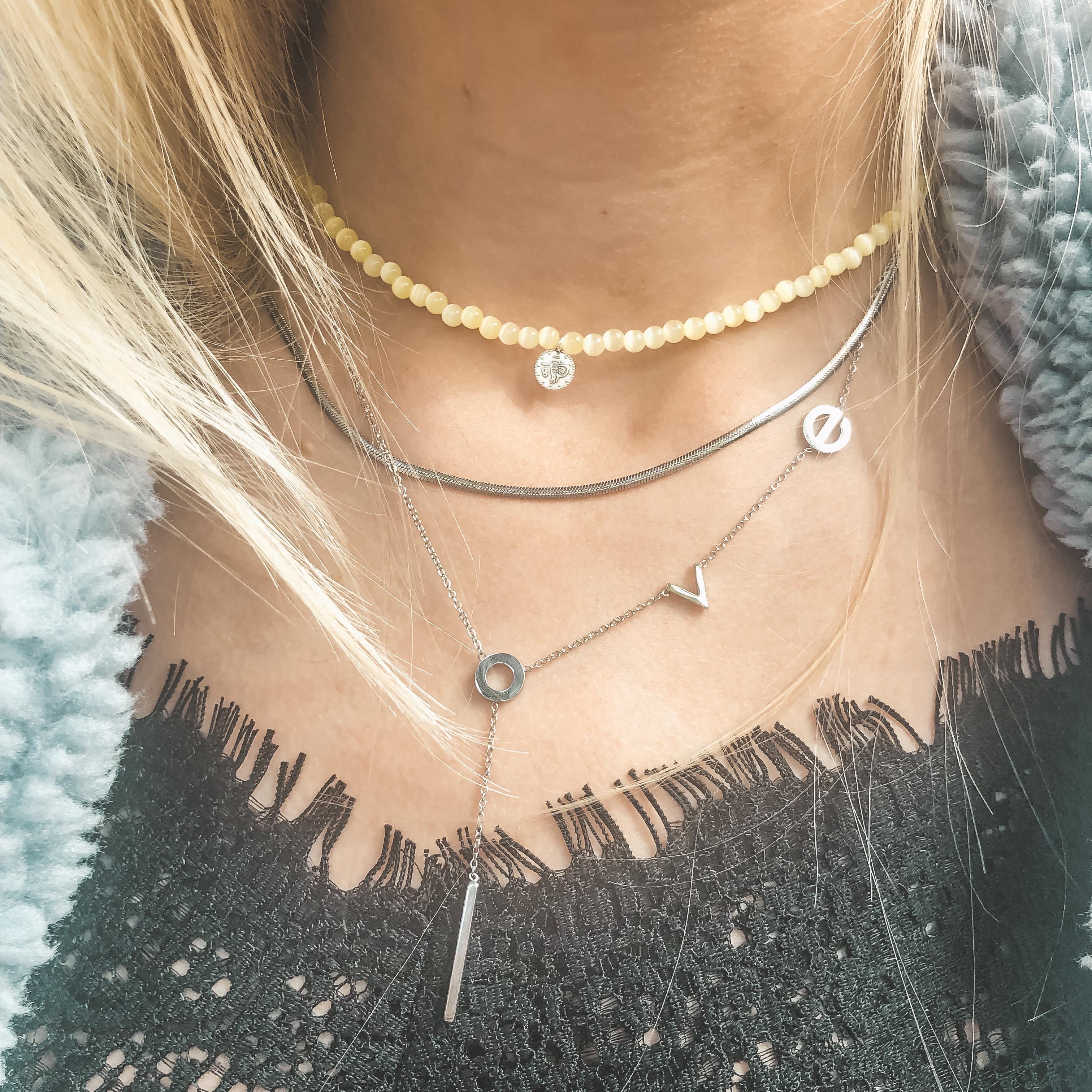 Fine jewelry: L-O-V-E necklace silver