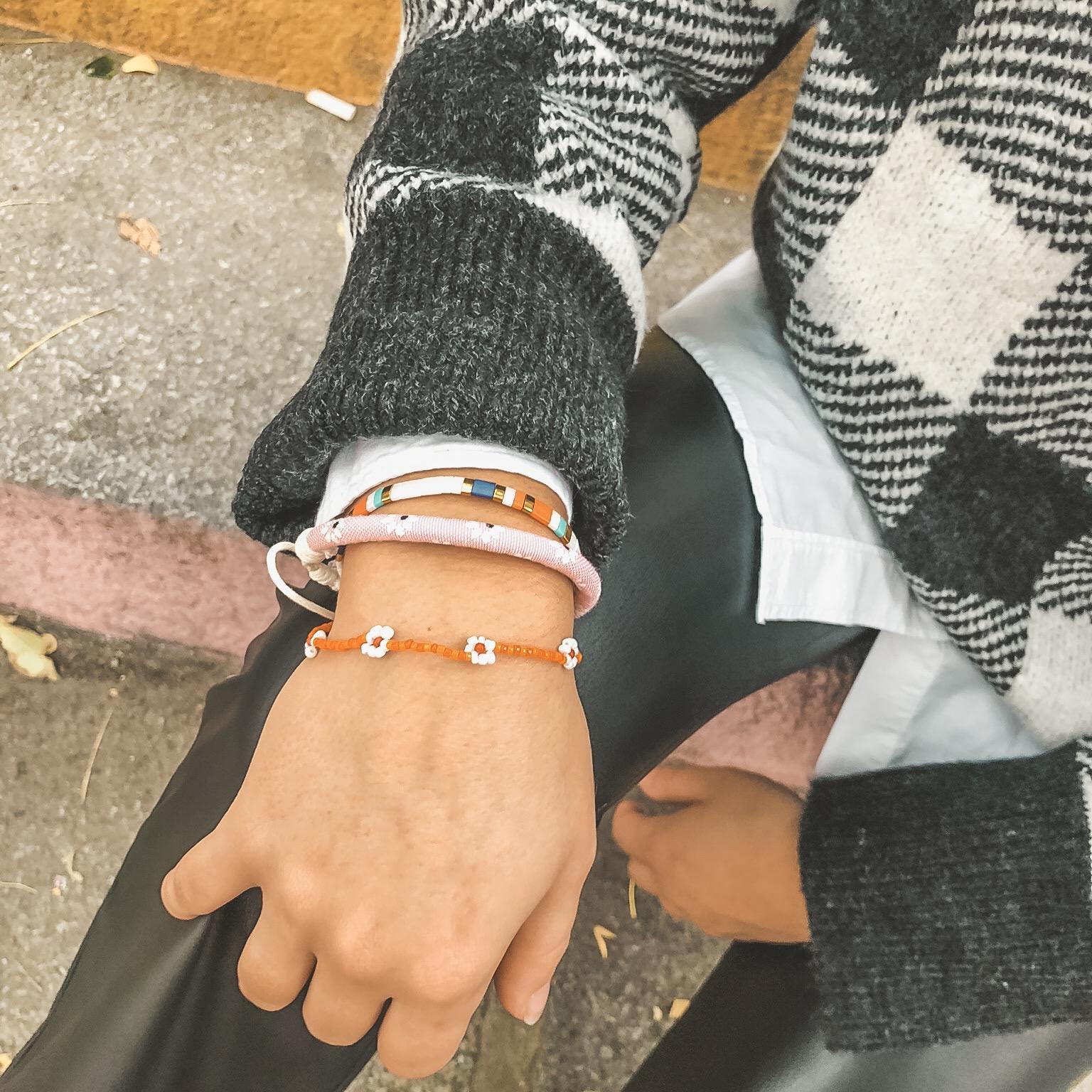 Flower bracelet orange