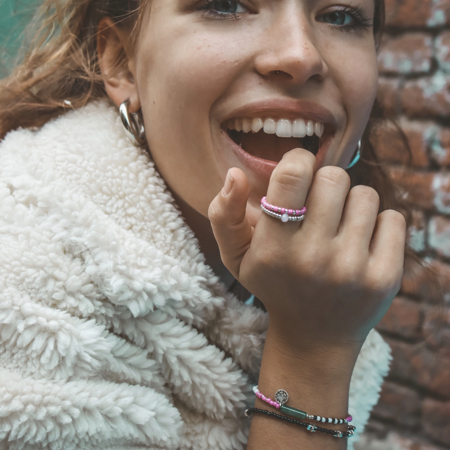 Detailed bead ring 12
