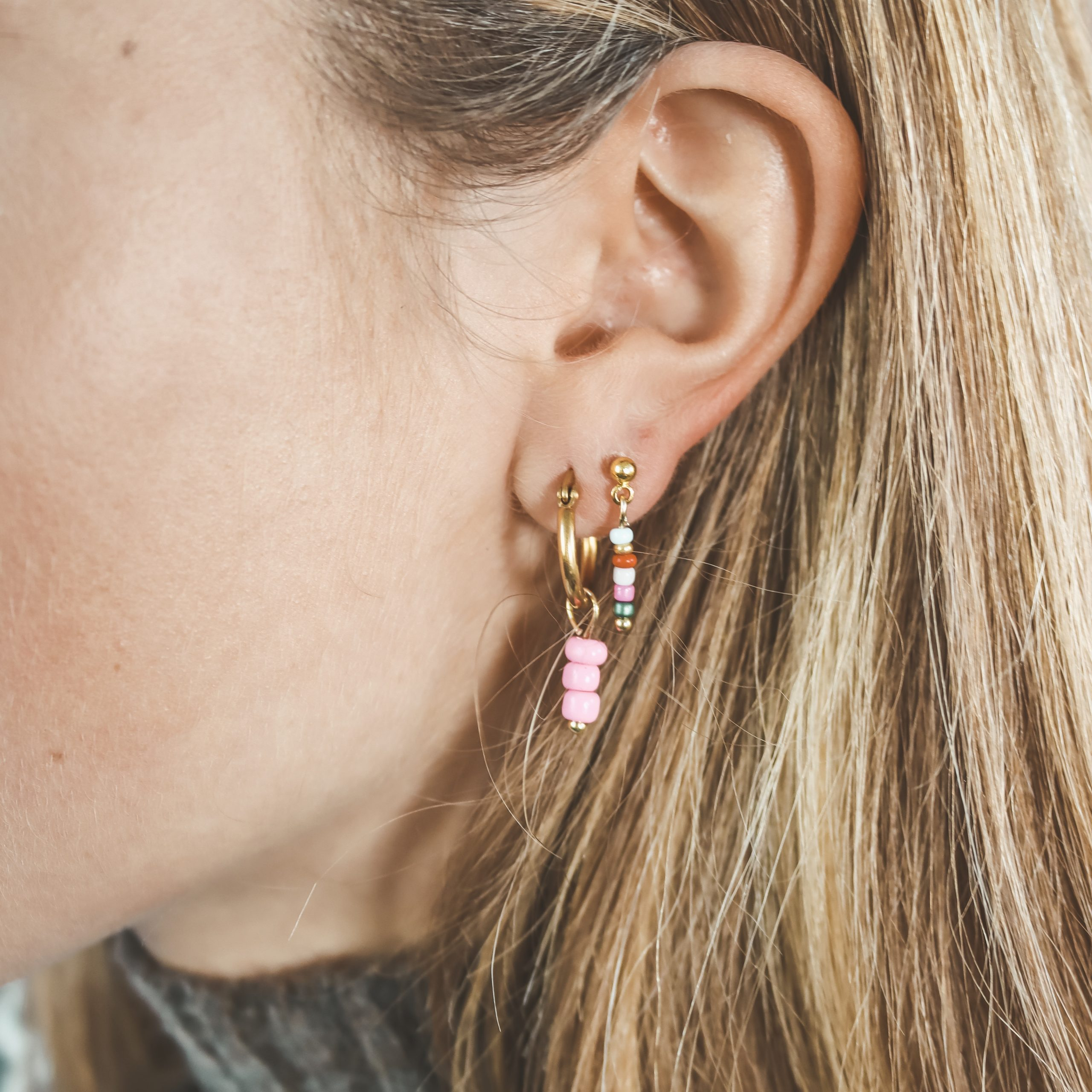 Earring pin gold colourful