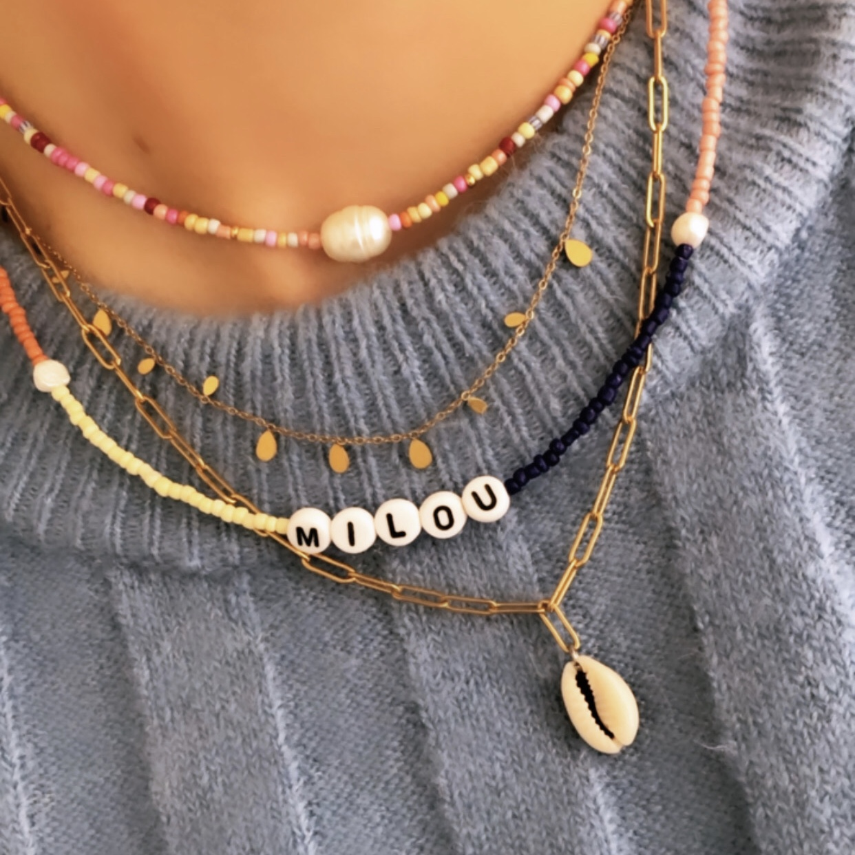 Fine jewelry: chain necklace shell gold