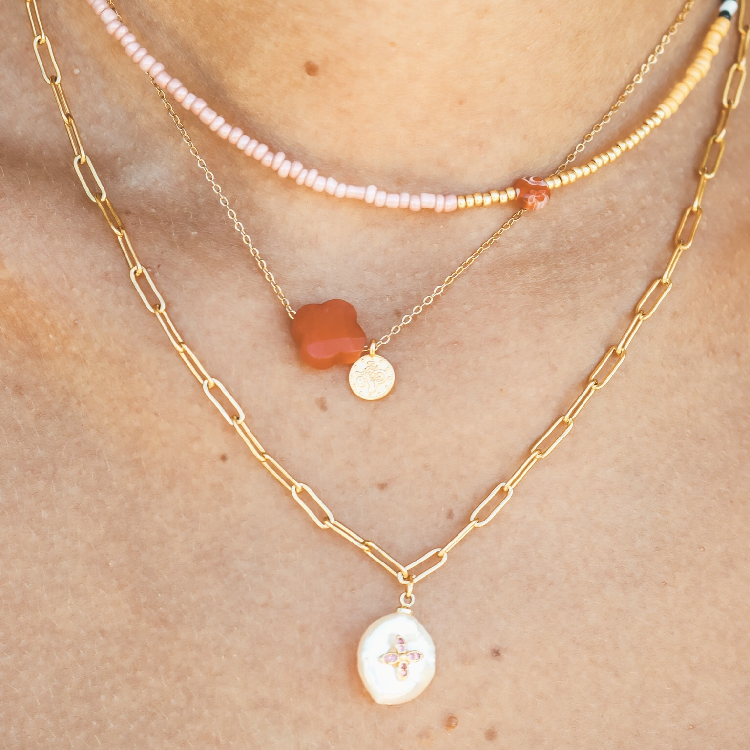 Fine jewelry: clover red gold