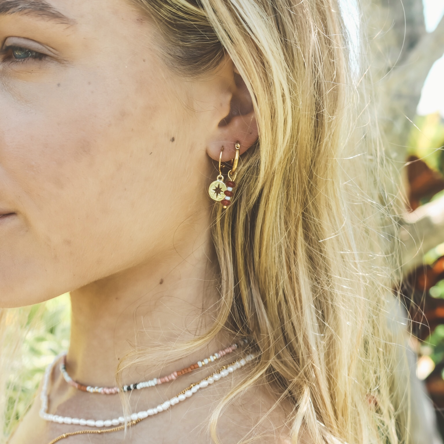 Small compass hoops gold