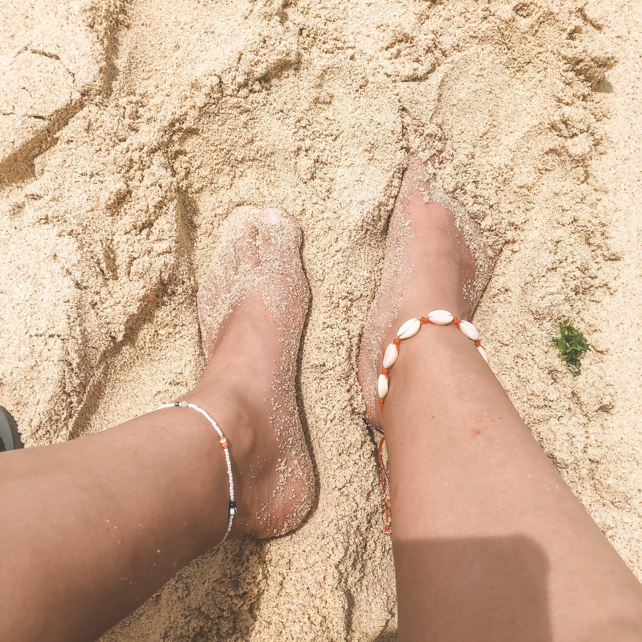 Anklet multi beads white